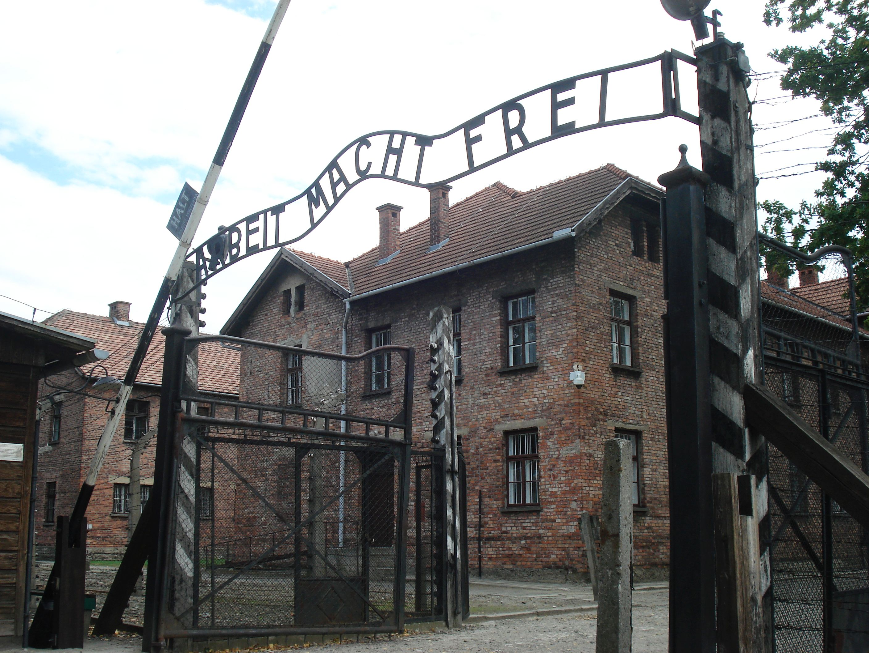 Auschwitz Tour Packages